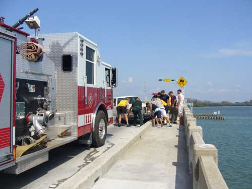 Anna Maria Islander: Vehicle vs. guard rail